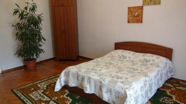 Сдаётся 2 комнатная квартира в центре Баку