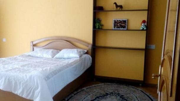 Сдам 3-х комнатную квартиру возле метро Эльмляр Академия, Баку