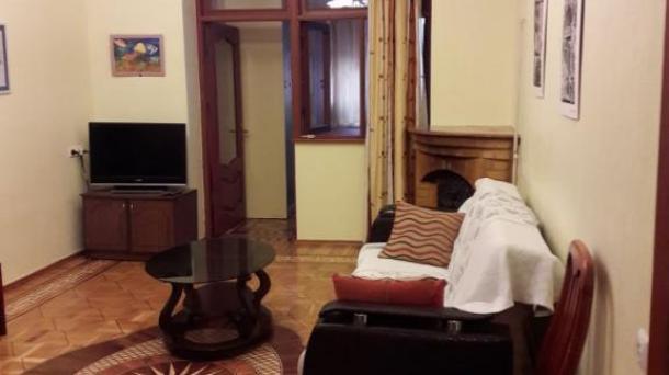 Сдается 3 ком. квартира возле клиники Шихлинской, Хатаи