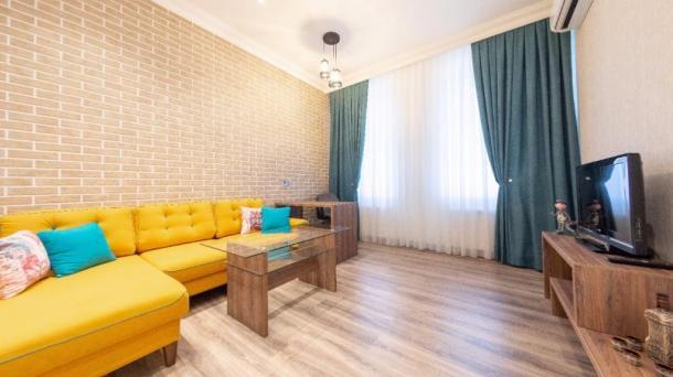 Сдается 2 ком. квартира напротив Приморского парка