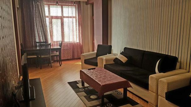 Apartament on MirQasimov str.
