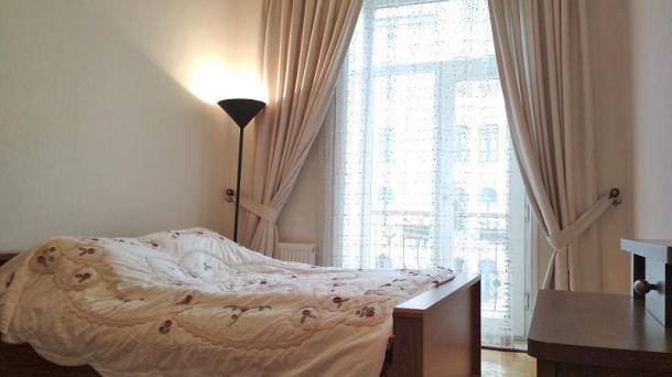 Сдается квартира возле Ландмарка по ул. Низами