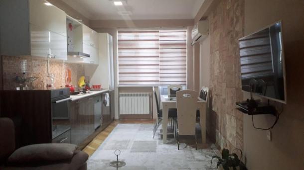 Апартаменты посуточно в Ени Ясамал, Баку