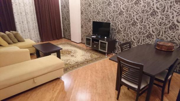 Сдается 2 ком. квартира возле центра Гейдара Алиева