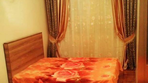 """Посуточная квартира в Баку, расположена в районе """"Гянджлик""""."""